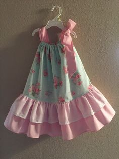 and baby dress Shabby Chic Pillowcase Dress Little Dresses, Little Girl Dresses, Girls Dresses, Flower Girl Dresses, Pillowcase Dress Pattern, Pillowcase Dresses, Shabby Chic Outfits, Maxi Dress Tutorials, Kind Mode