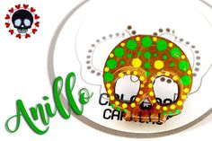 Hermoso Anillo ajustable elaborado en mdf pintado a mano con  colores cítricos...  Súper chic!  #CalacasCaracas  Pedidos vía whatsapp [ver perfil]