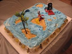I always have themed birthday parties for myself and this was the cake I made for my pirate themed party. (Mindi)
