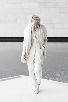 Outfit: winter white in Paris