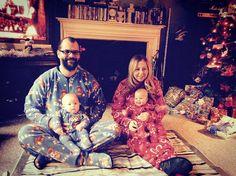 There's matching family pajamas for boys and girls from Snug As a Bug. #snugasabug #matchingpajamas #christmasmagic #christmaspajamas #familyfun #holidaylikeyoumeanit