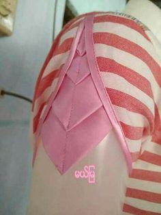 Origami dress pattern fashion design 29 ideas for 2019 Kurti Sleeves Design, Kurta Neck Design, Sleeves Designs For Dresses, Dress Neck Designs, Fancy Blouse Designs, Sleeve Designs, Chudi Neck Designs, Saree Blouse Neck Designs, Designer Kurtis