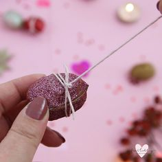 DIY Knallbonbons selber machen – 3 bunte Silvester DIY Ideen A super cute DIY idea for every New Year's party: lucky nuts with a hidden message. Presents For Kids, Diy Presents, Diy For Teens, Diy For Kids, New Year Diy, Spring Decoration, Home Decoration, Ideias Diy, Pbs Kids