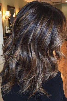 Ribbon Highlights Are The Latest Hair Trend Were Obsessed With 2020 Hair Trends Hair highlights Latest obsessed ribbon trend Ombre Hair Color, Brown Hair Colors, Fall Hair Colors, Hair Color And Cut, Winter Hairstyles, Pretty Hairstyles, Female Hairstyles, Prom Hairstyles, Medium Brunette Hairstyles