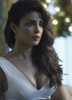 High Quality Bollywood Celebrity Pictures: Priyanka Chopra Super Sexy Stills From American Television Thriller Quantico Indian Actress Hot Pics, Indian Bollywood Actress, Actress Pics, Beautiful Bollywood Actress, Beautiful Actresses, Indian Actresses, Bollywood Fashion, Star Actress, Bollywood Saree