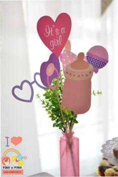 Idei inspiratie pentru un candy bar de basm! Bar, Place Cards, Place Card Holders, Glitter, Candy, Pink, Baby Bottle, Candles, Roses
