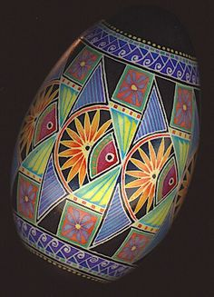 goose egg - fish by Mark Malachowski Cool Easter Eggs, Ukrainian Easter Eggs, Ukrainian Art, Easter Egg Designs, Easter Ideas, Carved Eggs, Egg Crafts, Faberge Eggs, Egg Art
