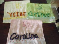 Toalhas para crianças bordadas em Ponto Russo.
