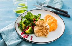 Søtpotetpuré sammen med torsk er en nydelig smakskombinasjon. Server en brokkolisalat med granateple ved siden av og du vil få en en herlig smaksopplevelse . Avocado Toast, Breakfast, Foods, Morning Coffee, Food Food, Food Items