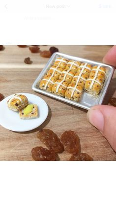 This miniature set comes with 1x baking tray 12x hot cross buns with one cut in half and melted butter Plate not included Warning label- -not suitable for children under 4 years of age - not intended for play/ display only - small items considered a choking hazard -Wipe with a damp cloth to clean Textiles- -handwash and lay flat to dry  Jewelry/ accessories - - (Earrings ) hypoallergenic surgical steel - (Necklace) silver plated - Do not spray with perfumes or make up - Do not wear ...