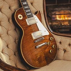 The Music Zoo exclusive Roasted True Historic Les Pauls