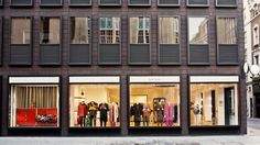 The Style Examiner: Paul Smith Albemarle Street store extension by Architects Minimalist House Design, Minimalist Home, Wide World, Facade Architecture, New Shop, Store Fronts, British Style, Paul Smith, Extensions