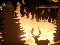 The ants: Χριστουγεννιάτικη διακόσμηση βιτρίνας Xmas Decorations, Moose Art, Paper, Home Decor, Decoration Home, Room Decor, Home Interior Design, Christmas Door Decorations, Christmas Decor
