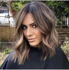 Brown Hair Balayage, Hair Color Balayage, Messy Bob Hairstyles, Pretty Hairstyles, Medium Hair Styles, Short Hair Styles, Haircut And Color, Brunette Hair, Great Hair