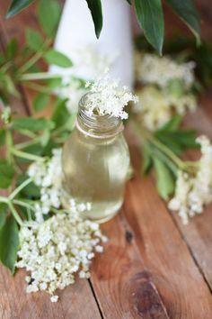 Holunderblueten Sirup & Schorle - Elderflower Cordial & Lemonoade | Das Knusperstübchen