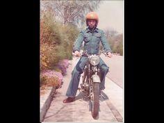"""Ken Fynbo, 55, Brøndby Strand. Taget dagen efter min konfirmation,9. maj 1976, hvor jeg skulle hente en ny LP med ABBA. TT styr, langt hår, svaj i buksen og """"op""""- støvler, så er vi kørende... (1976)."""