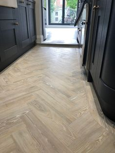New grey wood tile bathroom floor herringbone pattern Ideas Amtico Flooring Kitchen, Parkay Flooring, Hallway Flooring, Solid Wood Flooring, Parquet Flooring, Parquet Tiles, Flooring Ideas, Laminate Flooring, Kitchen Countertops