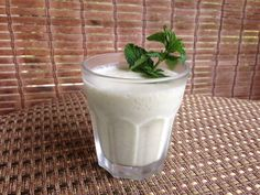 Pineapple Coconut Mint Smoothie via Zest & Zeal 1 Tablespoon peeled, fresh ginger 20 small mint leaves 2 ½ cups frozen diced pineapple (or fresh and add ice) 1 cup full-fat coconut milk 1 Tablespoon Chia seeds ½ cup water Mint Smoothie, Smoothie Drinks, Healthy Smoothies, Healthy Drinks, Smoothie Recipes, Healthy Snacks, Smoothie Shop, Coconut Smoothie, Healthy Detox