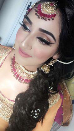 Makeup Bridal Hairstyle Indian Wedding, Pakistani Bridal Makeup, Indian Wedding Makeup, Indian Wedding Hairstyles, Pakistani Bridal Dresses, Wedding Hair And Makeup, Party Makeup Looks, Bridal Makeup Looks, Bride Makeup