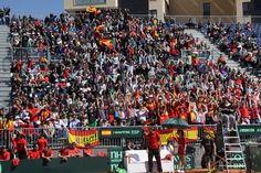 Afición haciendo la OLA. Copa Davis. Cuartos de Final 2012. España vs. Austria