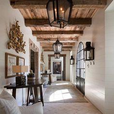 Tuscan design – Mediterranean Home Decor Decor Interior Design, Interior Decorating, Interior Designing, Interior Doors, Contemporary Interior, Decorating Tips, Modern Hallway, Spanish Style Homes, Spanish Style Interiors