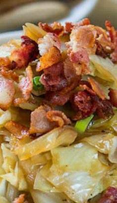 Four Kitchen Decorating Suggestions Which Can Be Cheap And Simple To Carry Out Sweet And Sour Cabbage With Bacon - The Perfect Combination Of Sweet, Salty, And Sour. Sweet And Sour Cabbage, Cabbage And Bacon, Cooked Cabbage Recipes, Fried Cabbage, Cabbage Rolls, Bacon Recipes, Vegetable Recipes, Cooking Recipes, Healthy Recipes