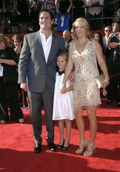 The billionaire, his wife and his daughter