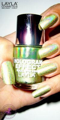 Ninja Polish: Layla - HE-09 Gold Idol, from the Hologram Effect collection