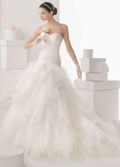 Vestido de novia ajustado hasta la cadera