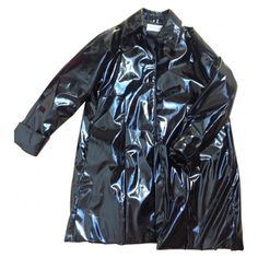 BLACK SHINY RAINCOAT BALMAIN (345 PLN) ❤ liked on Polyvore featuring outerwear, coats, jackets, tops, mac coat, rain coat, balmain coat, shiny raincoat and faux coat