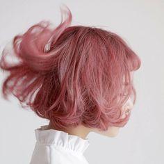 resim, t tarafından keşfedildi. We Heart It'de kendi görsellerinizi ve videolarınızı keşfedin (ve kaydedin)! Dye My Hair, New Hair, Pretty Hairstyles, Bob Hairstyles, Short Haircuts, Hair Inspo, Hair Inspiration, Pelo Multicolor, Aesthetic Hair