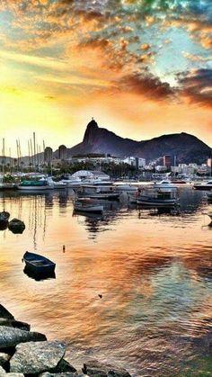 Mureta da Urca em Rio de Janeiro, RJ / assistir o pôr do sol ali é algo simplesmente mágico!