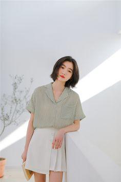 4b0e3e0df 2019 nuevo coreano rayas giro abajo Collar de manga corta blusa de verano  de las mujeres