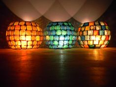 Candle Lanterns, Diy Candles, Stone Mosaic, Mosaic Art, Mosaic Bottles, Diy Candle Holders, Xmas Lights, Iron Art, Stone Crafts