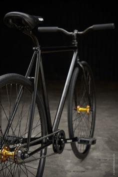 Oh man, I want this! Shame it is only a single speed :/ but if it looks that good, no one will care how fast you're going!