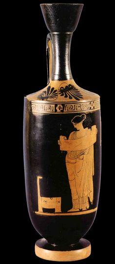 Ancient Attic vase showing a woman reading a scroll. Ancient Greek Art, Ancient Romans, Ancient Greece, Mycenaean, Minoan, Greek Pottery, Greek Culture, Pottery Tools, Pottery Making