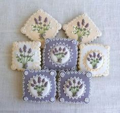 Lavender and ivory cookies Fancy Cookies, Iced Cookies, Cute Cookies, Easter Cookies, Cupcake Cookies, Sugar Cookies, Vintage Cookies, Cookie Icing, Royal Icing Cookies