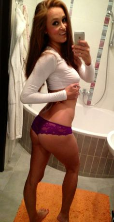 Selfie dans la salle de bain