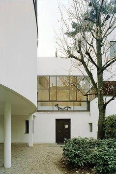 fondation Le Corbusier, paris   via Creatives in their Spaces ~ Cityhaüs Design
