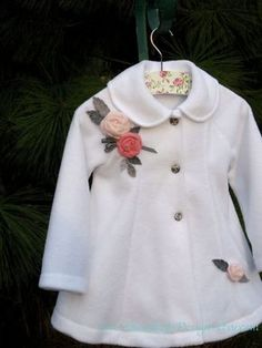 Handmade Little Girl Coat Little Girl Fashion, Fashion Kids, Fashion Coat, Fashion Black, Baby Outfits, Kids Outfits, White Outfits, Swing Coats, Little Girl Dresses