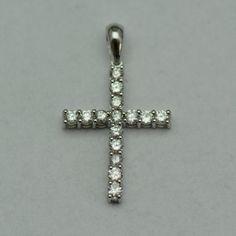Cruce din aur alb cu diamante - Artofdiamonds.ro http://www.artofdiamonds.ro/bijuterii-cu-pietre-pretioase-si-semipre/pandantive/cruce-din-aur-alb-cu-diamante #pandantiveauralb #pandantivediamante #pandantivecruce #diamante #diamondcrosspendants #diamonds
