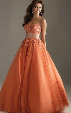 Abito Quinceanera in Tulle A Terra Ball Gown con Applique