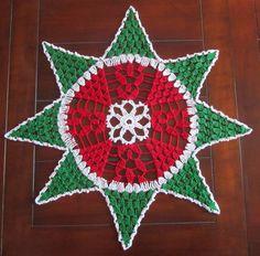Crochet Doily Christmas Star - Christmas decor - Green Red and Metallic White - Christmas Gift - Homemaker gift - Hostess gift - Home decor by ElenisCrochet on Etsy