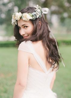 Dainty flower crown | Jada Poon Photography | see more on: http://burnettsboards.com/2014/05/dreamy-editorial-inspired-something-blue/