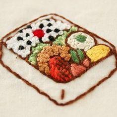 Yula - お弁当の刺繍を見ていたら、お腹が空いてきました、笑、、、、。