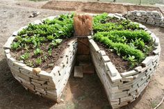 13 Unique DIY Raised Garden Beds - Home Stories A to Z