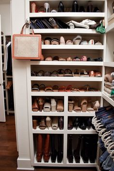 Step-by-step tips for organizing your closet and keeping it that way, including how to style it for your personality and tips for perfectly hung jeans! Best Closet Organization, Wardrobe Organisation, Jean Organization, Reach In Closet, Build A Closet, Closet Nook, Closet Bedroom, Master Closet Design, Wooden Projects