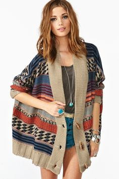 cozy tribal sweater for fall and winter looks just what i need - patterned cardigan for weather that's not freezing but not too warm Fall Winter Outfits, Autumn Winter Fashion, Fall Fashion, Love Fashion, Fashion Outfits, Womens Fashion, Petite Fashion, Curvy Fashion, Style Fashion