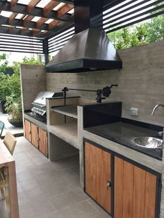 11 Useful Tips for Summer Kitchen Arrangement - Decor Around The World Small Outdoor Kitchens, Outdoor Kitchen Patio, Fancy Kitchens, Outdoor Kitchen Design, Patio Design, Backyard Patio, House Design, Outdoor Living, White Kitchens