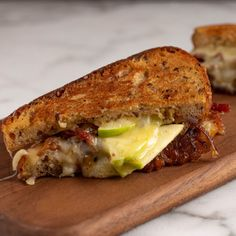 Cheddar and Apple Grilled Cheese By Ree Drummond